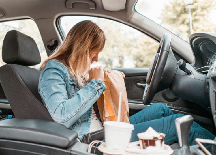 Consejos para alimentarte durante viajes de más de 10 horas por carretera