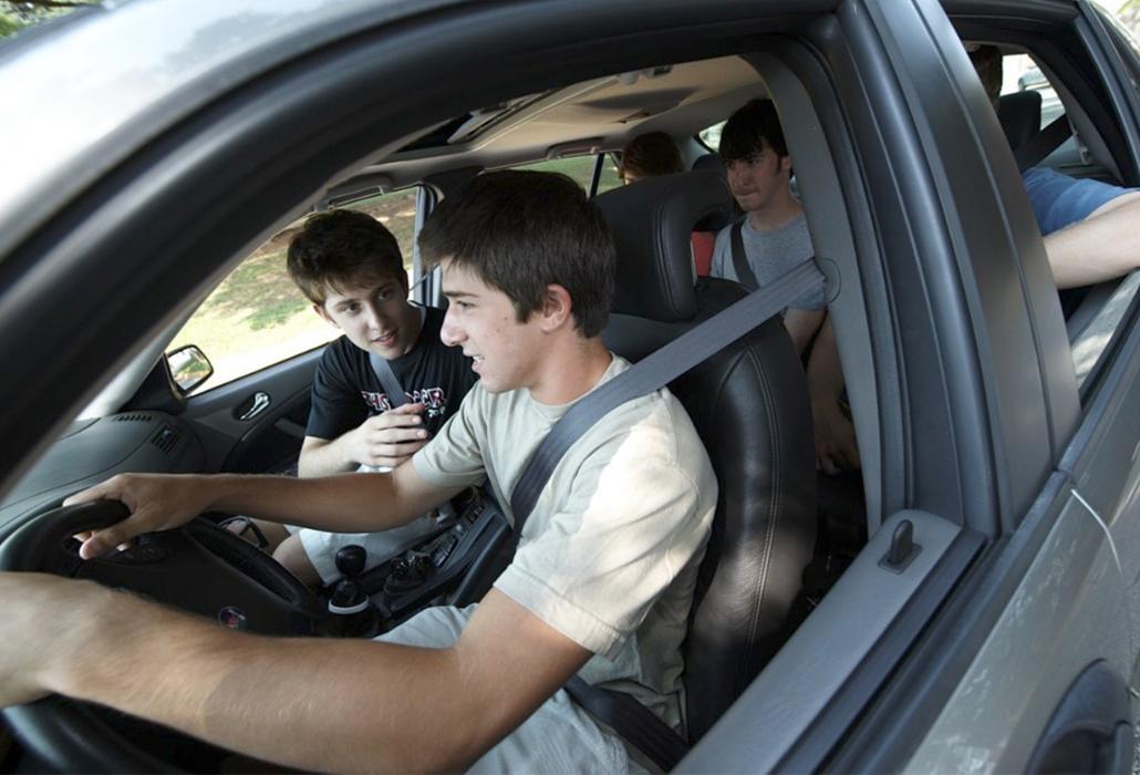 Seguridad para los estudiantes conductores
